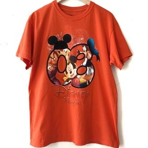 Disney Magic Epcot Mickey Goofy 2008 Graphic Tee
